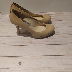 🌺 Beige heels by Michael Kors 🌸🌺